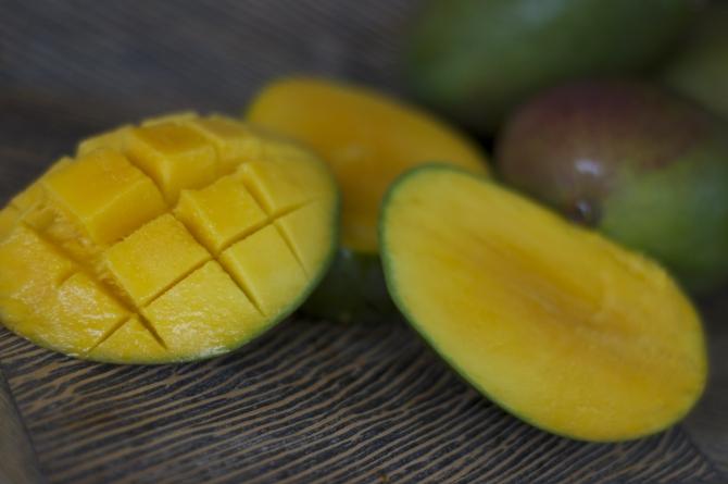Sliced mangoes | Barbados Fruit