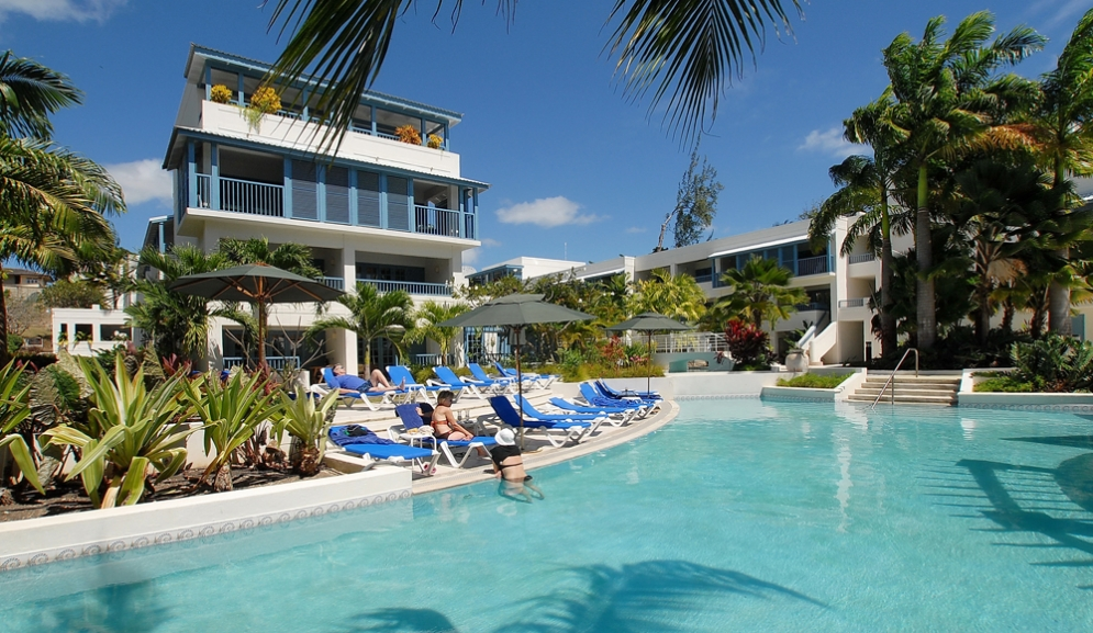Savannah Beach Hotel Barbados- Pool Bar