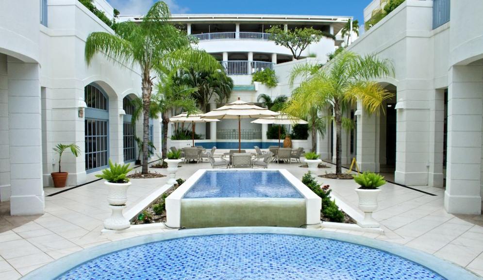 Savannah Beach Hotel Barbados Courtyard