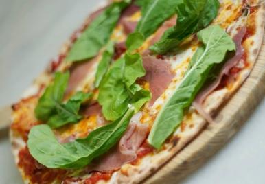 Mama Mia Italian Deli & Pizzeria